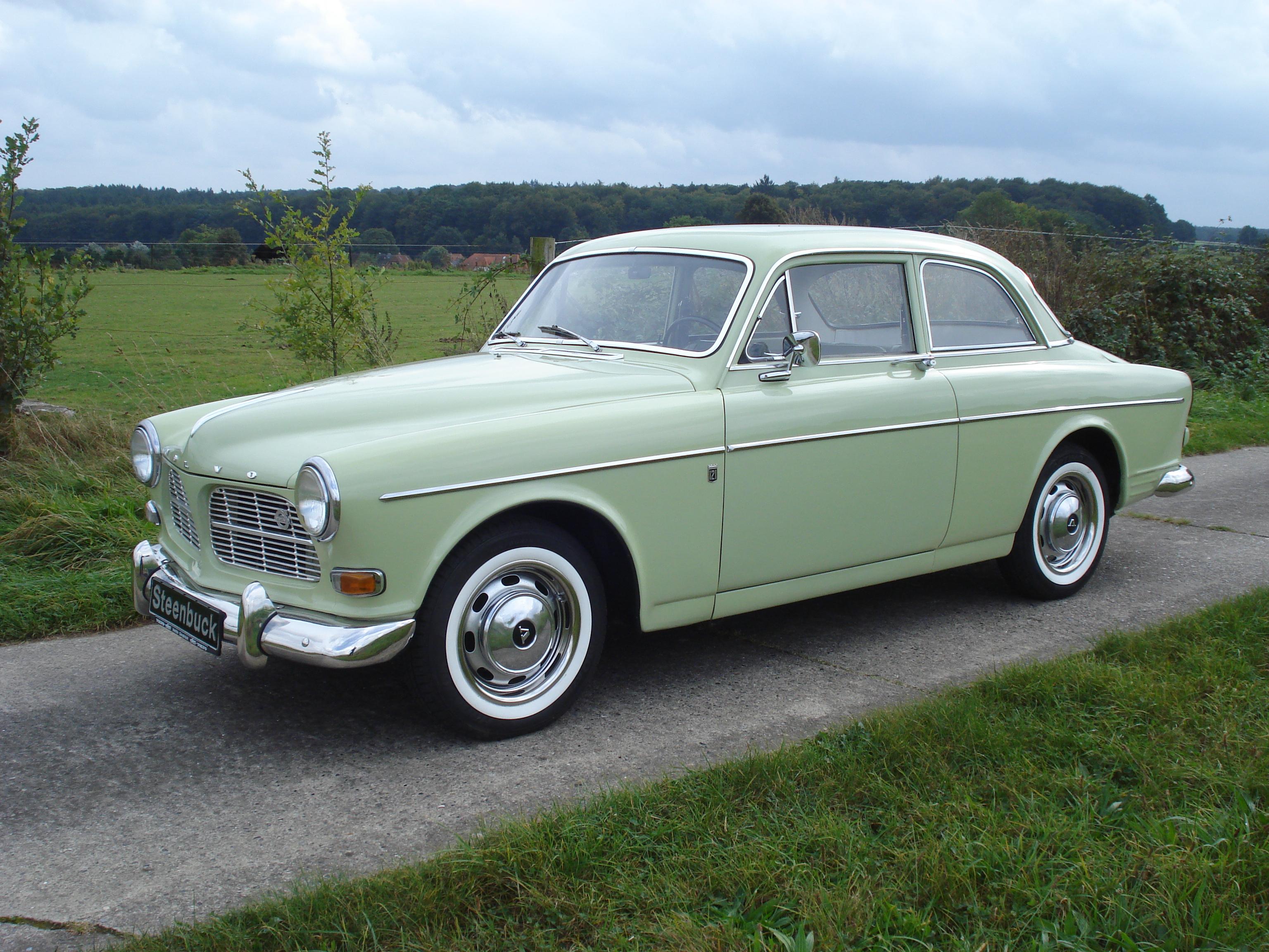 Volvo P 121