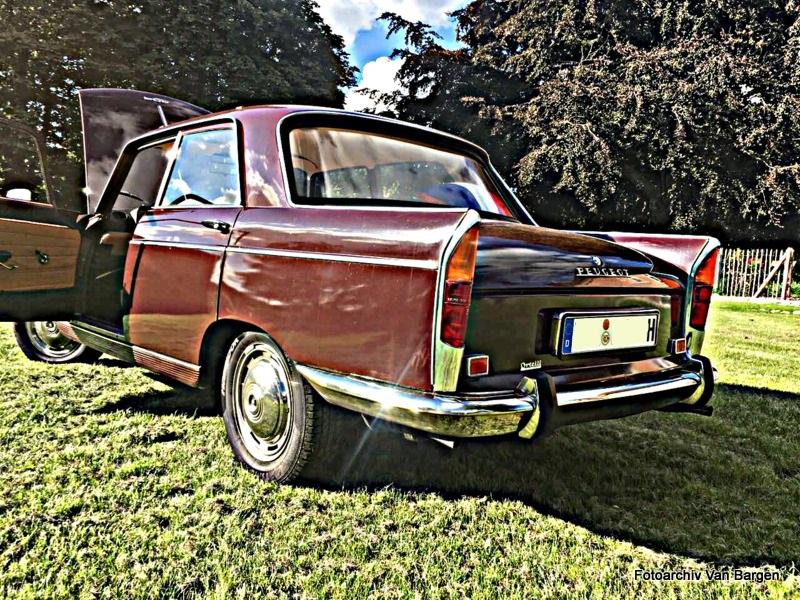 Peugeot 404 Limousine