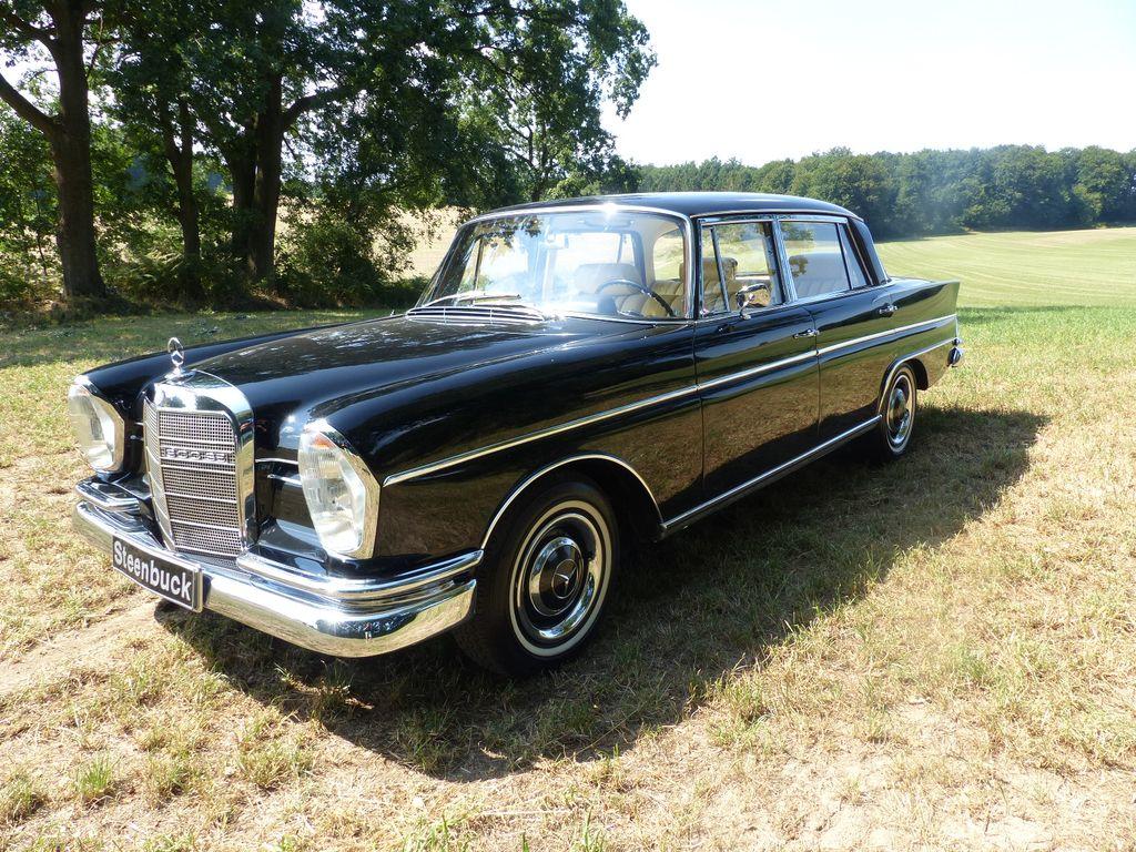 Mercedes-Benz Heckflosse 300 SE lang