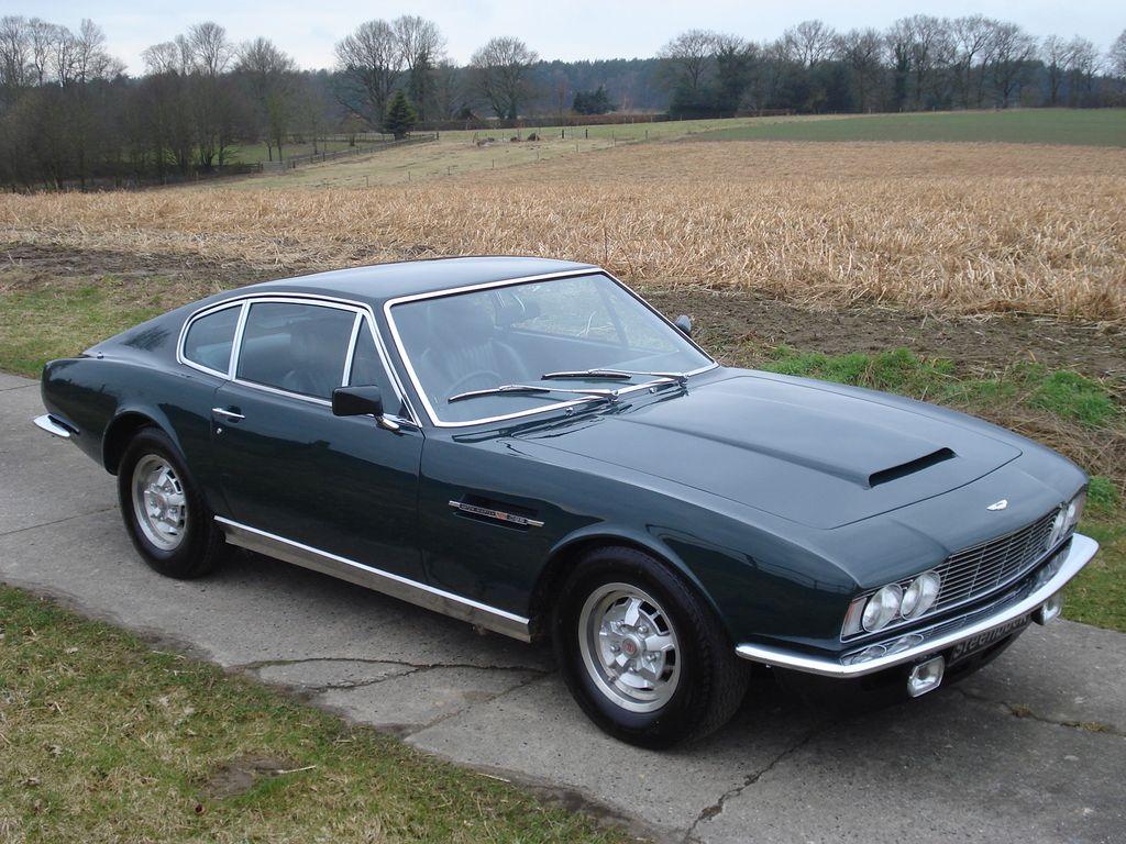 Aston Martin DBS V8 Saloon